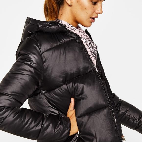 76df05abfc2 Bershka Jackets & Coats   Puffer Jacket With Hood   Poshmark